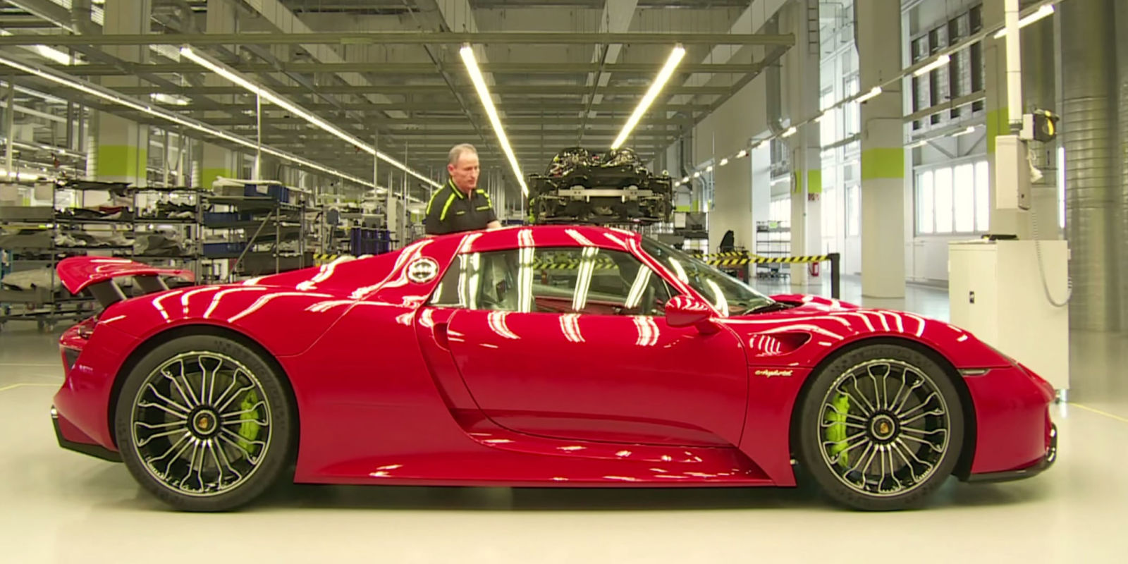 watch porsche 918 spyders come down the assembly line. Black Bedroom Furniture Sets. Home Design Ideas