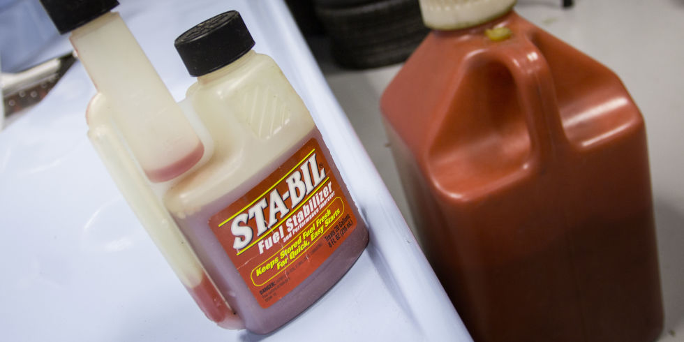 How does fuel stabilizer work?