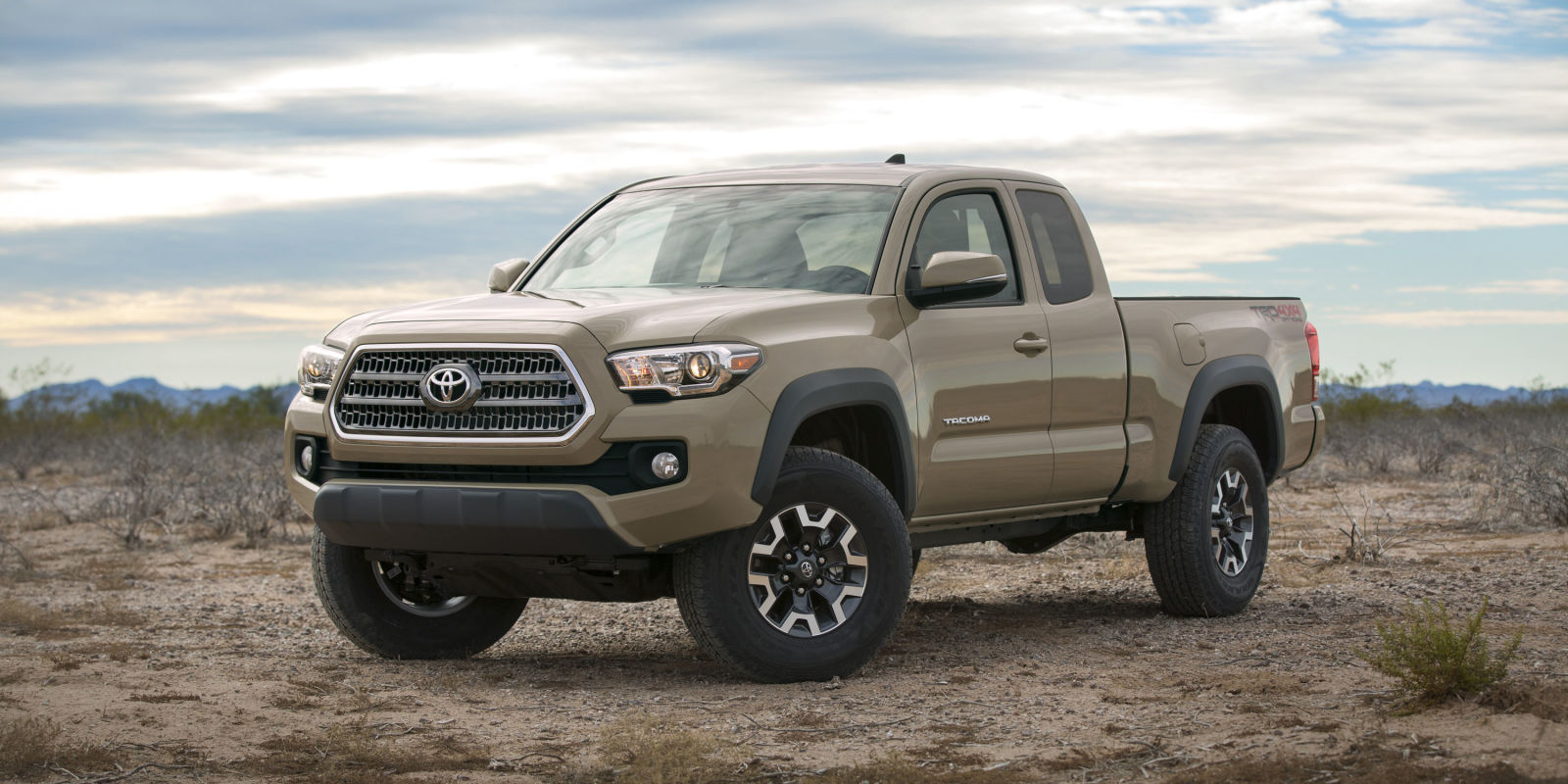 The 2016 Tacoma gets a new V6, six speed automatic