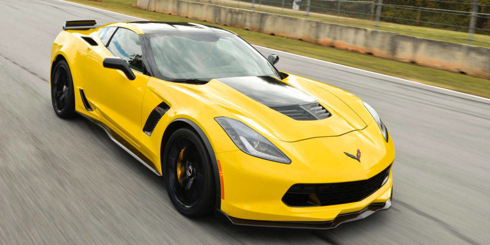 watch the 2015 corvette z06 obliterate virginia international raceway. Black Bedroom Furniture Sets. Home Design Ideas
