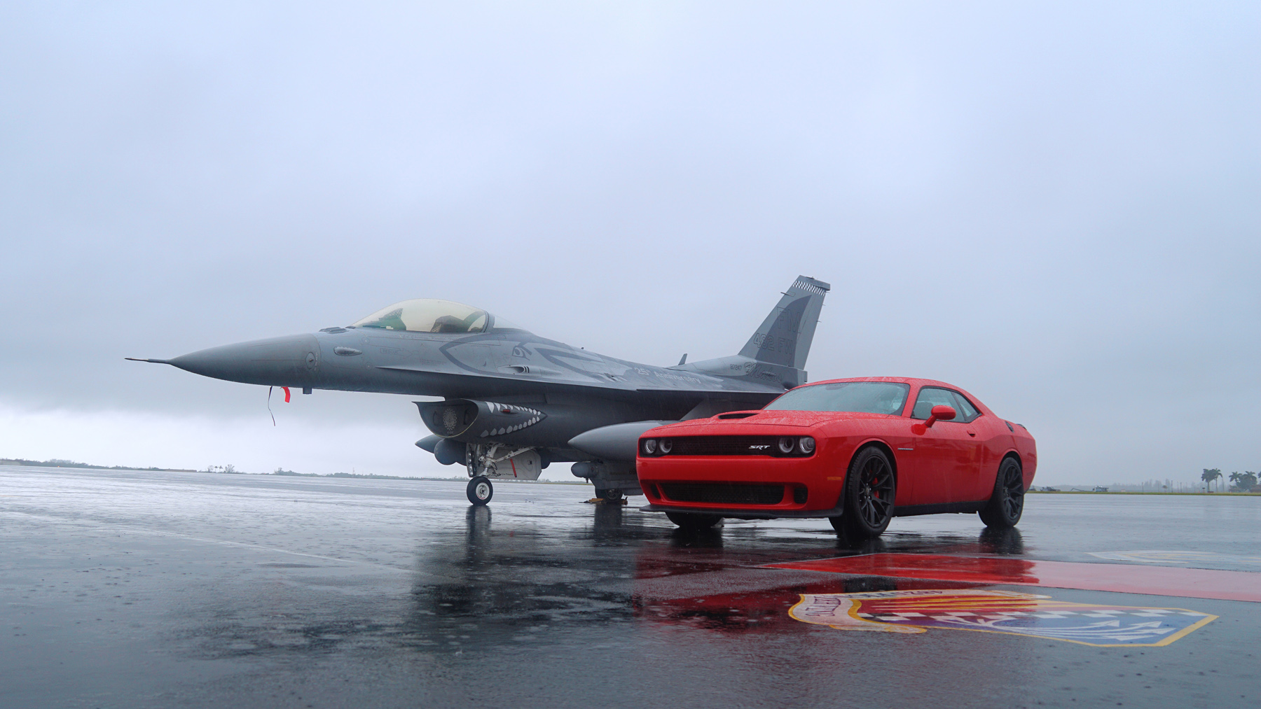 we raced a dodge challenger hellcat against a usaf f