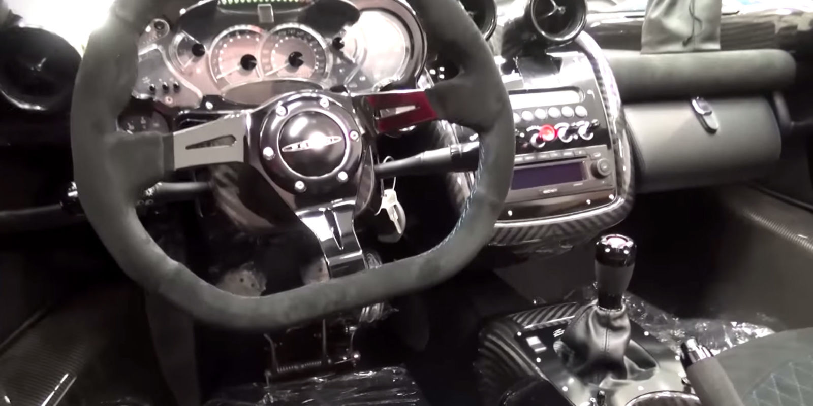 brand new stick shift pagani zonda sneers at flappy paddle hybrids. Black Bedroom Furniture Sets. Home Design Ideas