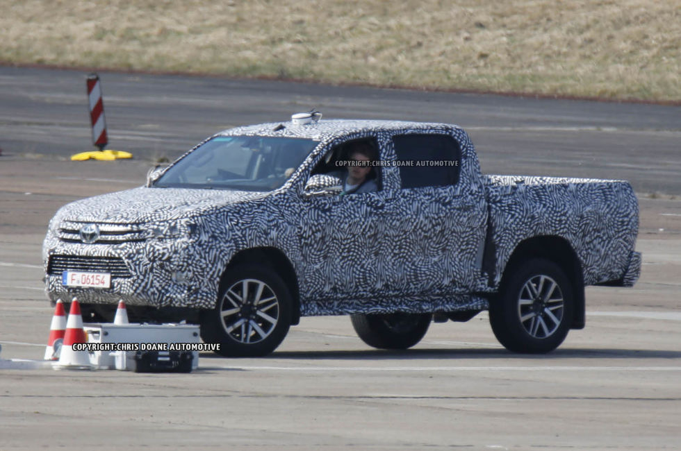 2015 - [Toyota] Hilux - Page 2 Cdauto_toyotahilux_42115_6