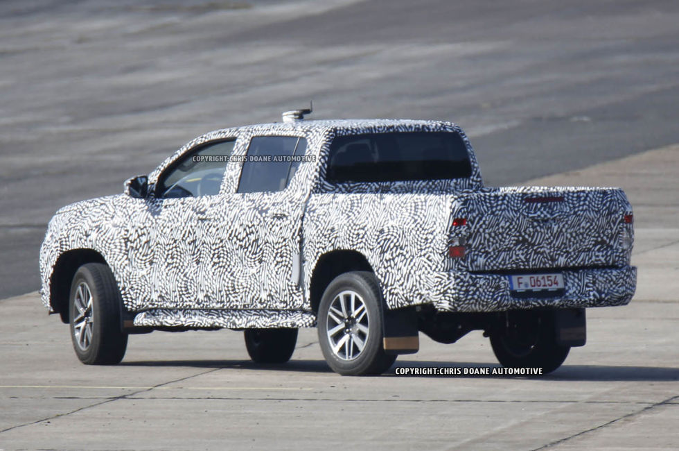 2015 - [Toyota] Hilux - Page 2 Cdauto_toyotahilux_42115_8