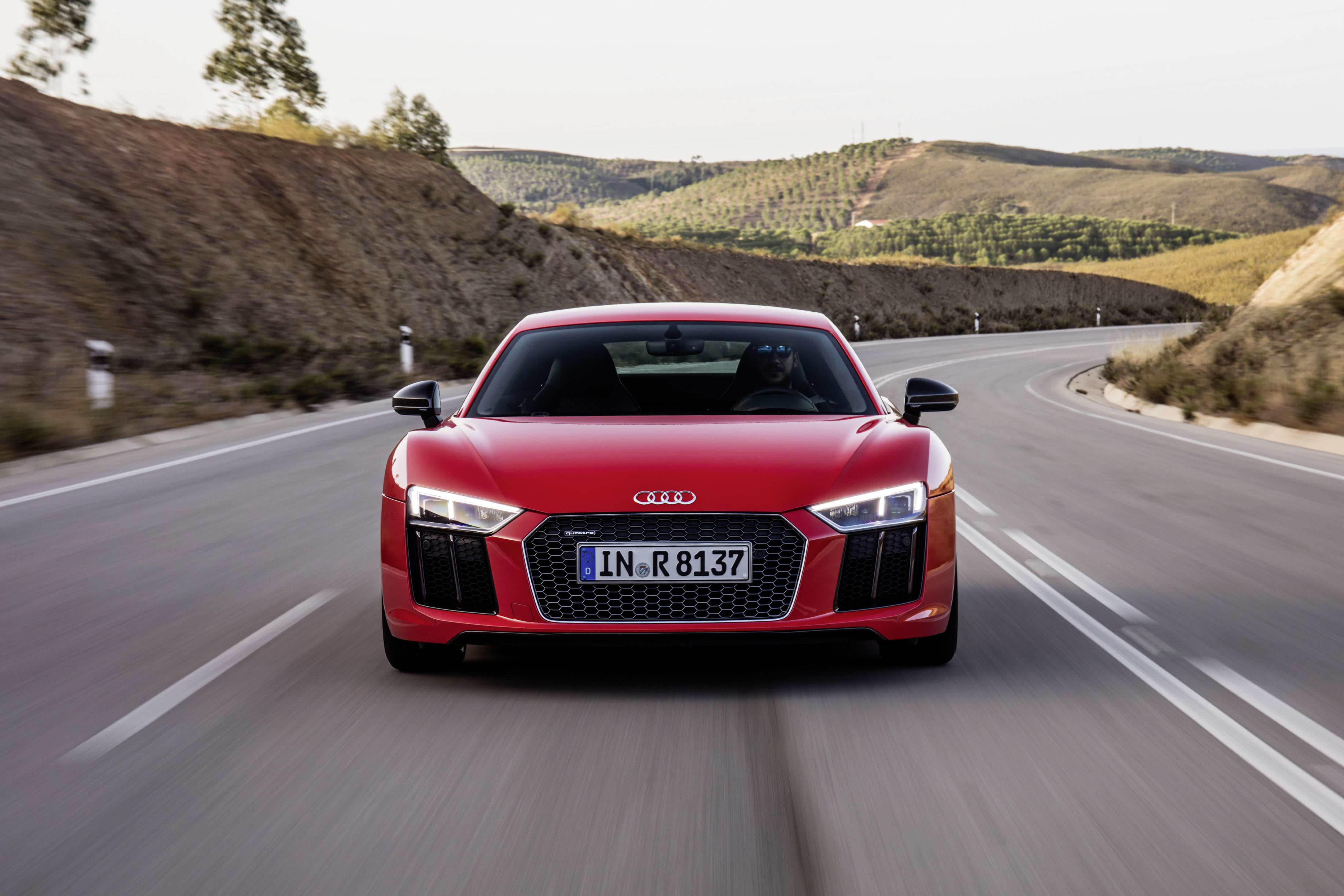 2016 audi r8 v10 and v10 plus photo gallery. Black Bedroom Furniture Sets. Home Design Ideas