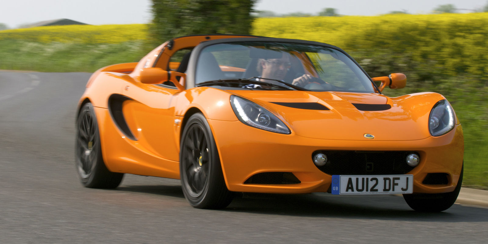 the lotus elise is returning to america in 2020. Black Bedroom Furniture Sets. Home Design Ideas