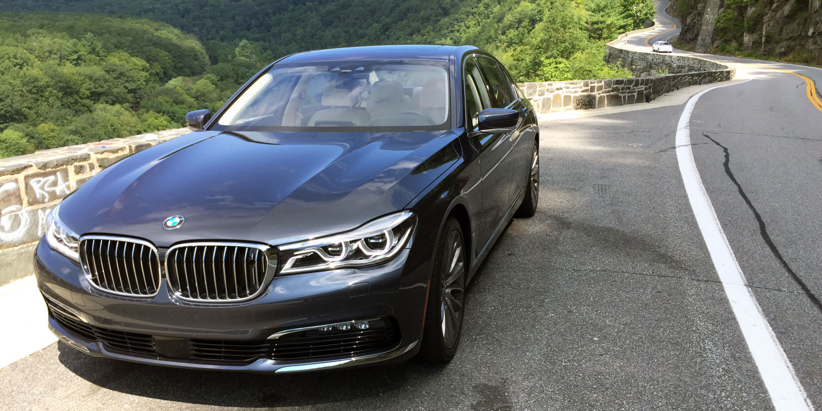 first drive 2016 bmw 750i xdrive. Black Bedroom Furniture Sets. Home Design Ideas