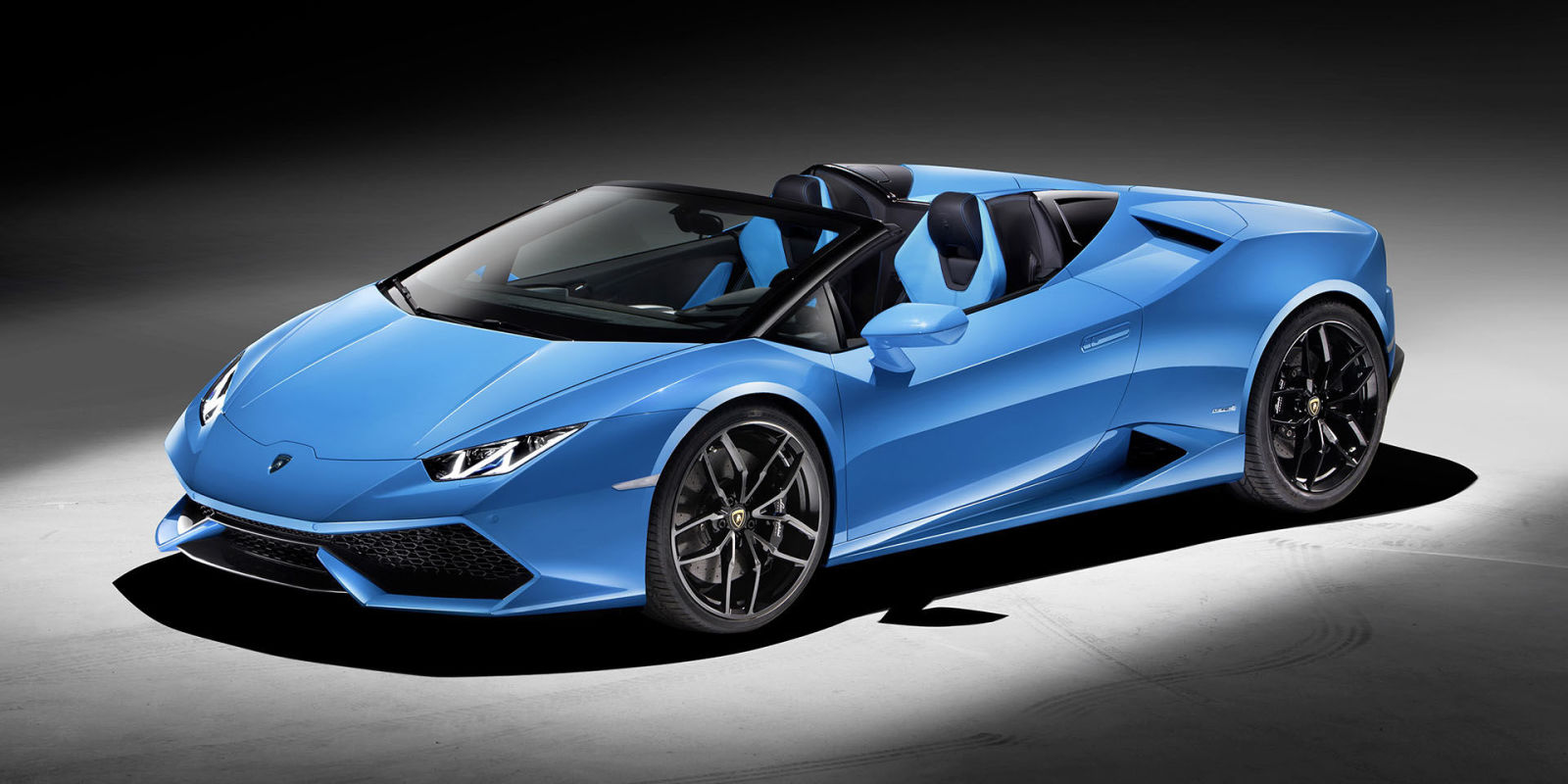 the 2016 lamborghini hurac n spyder can top 200 mph. Black Bedroom Furniture Sets. Home Design Ideas