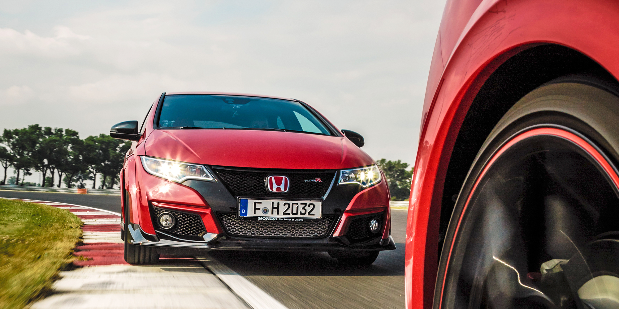 the new civic type r is honda 39 s 306 hp apology to the. Black Bedroom Furniture Sets. Home Design Ideas