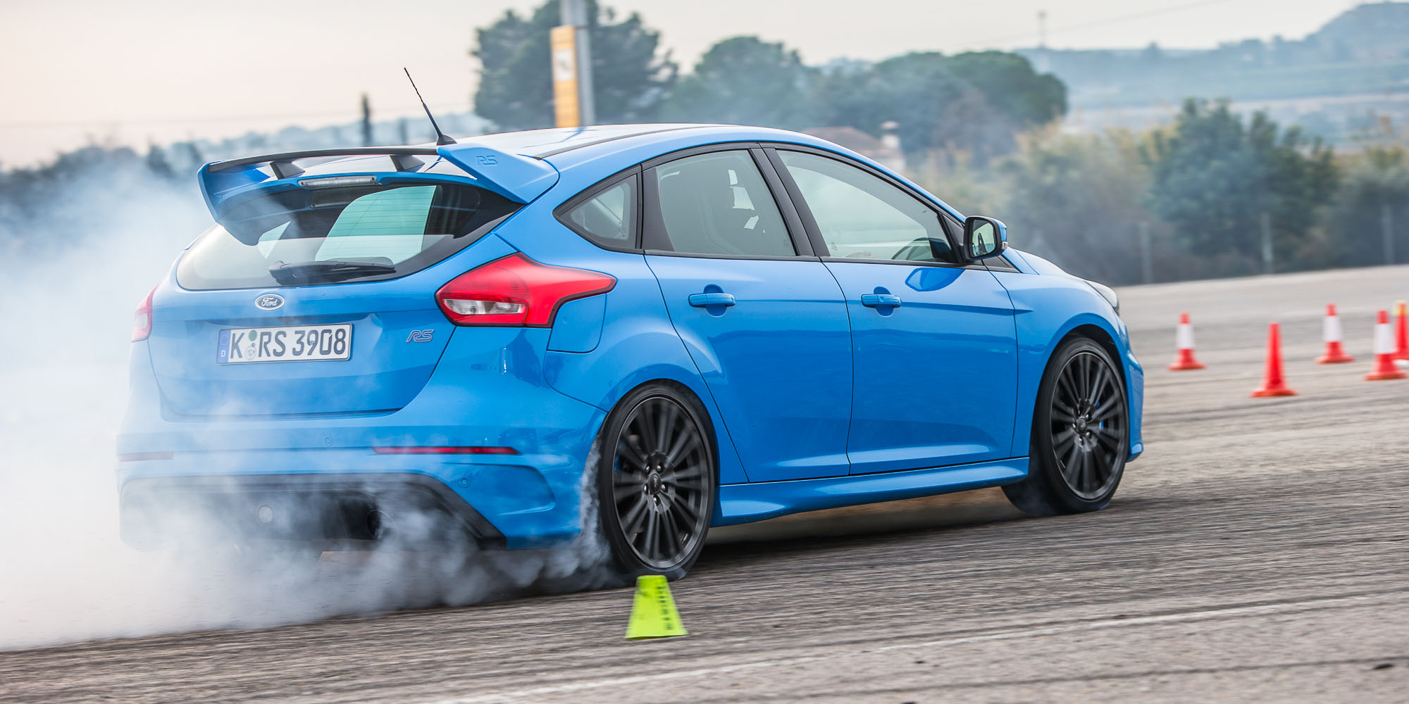 2017 ford focus rs first drive. Black Bedroom Furniture Sets. Home Design Ideas