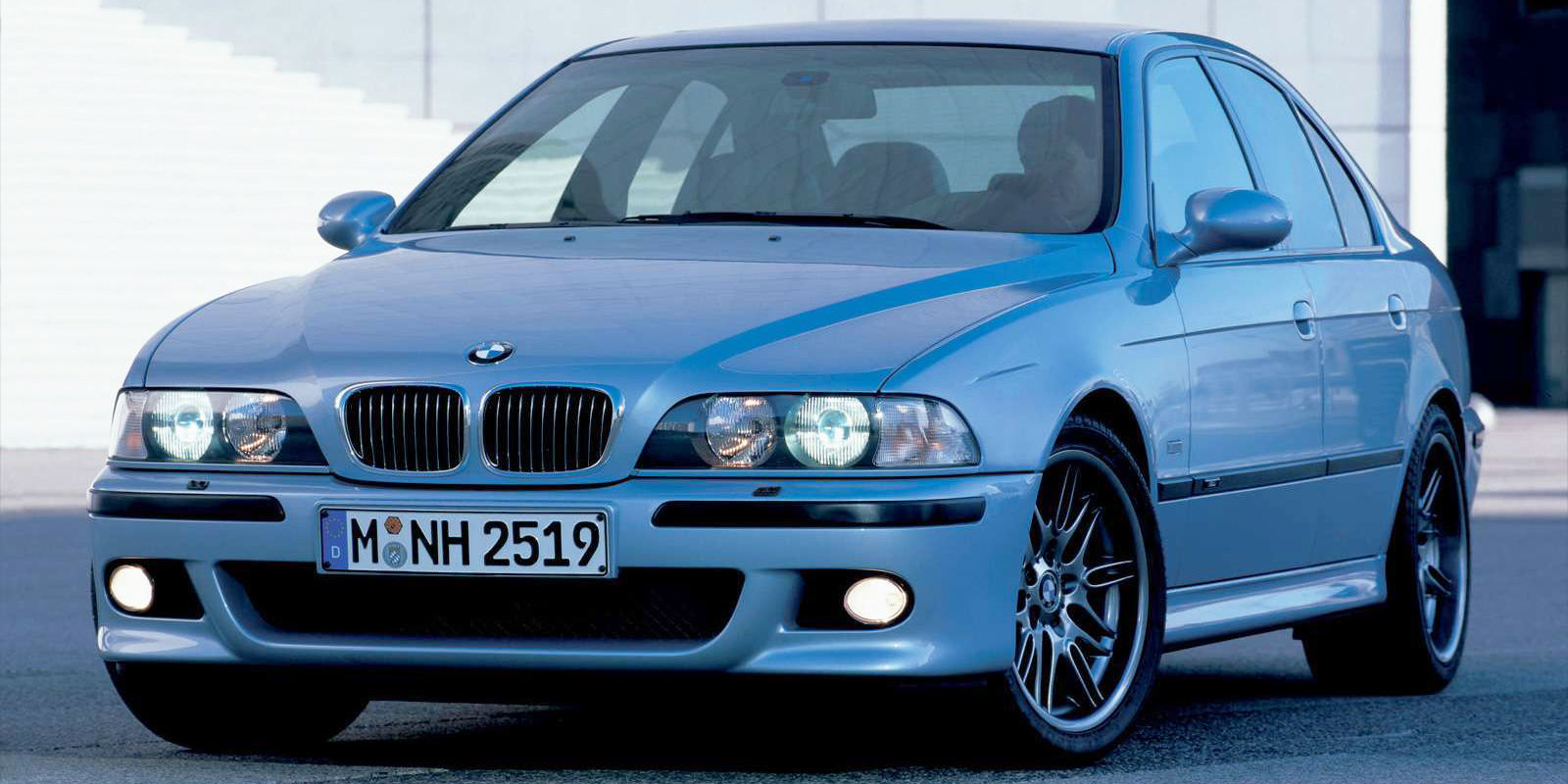 does the e39 bmw m5 live up to its legendary reputation. Black Bedroom Furniture Sets. Home Design Ideas