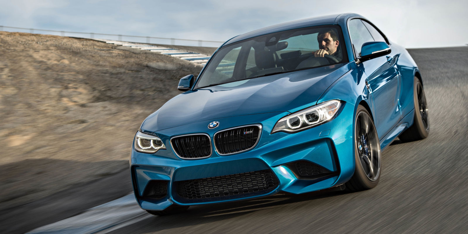 13 things you learn after driving the bmw m2. Black Bedroom Furniture Sets. Home Design Ideas