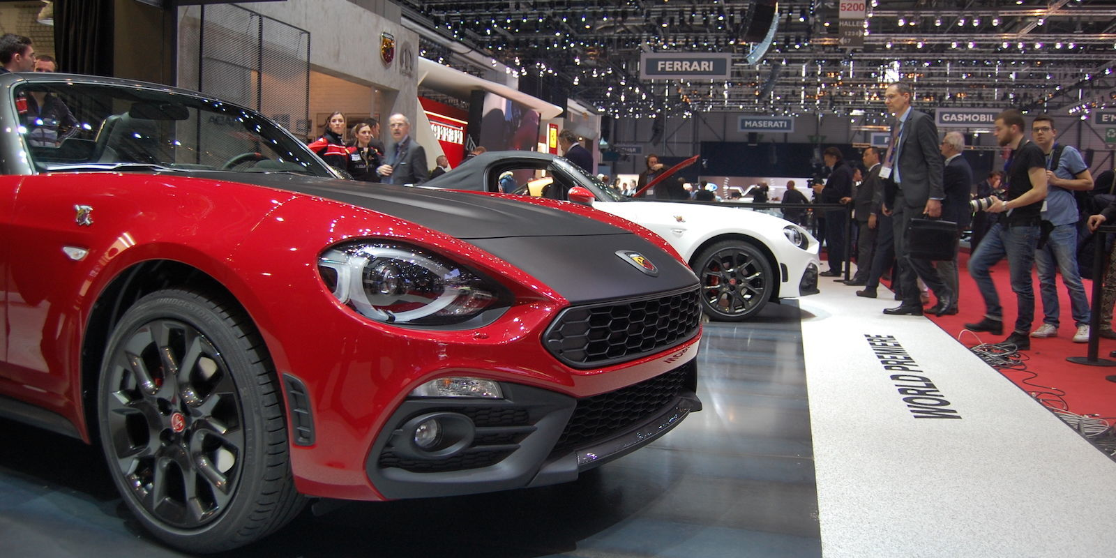 The fiat 124 spider costs less than the mazda miata its for Garage abarth paris