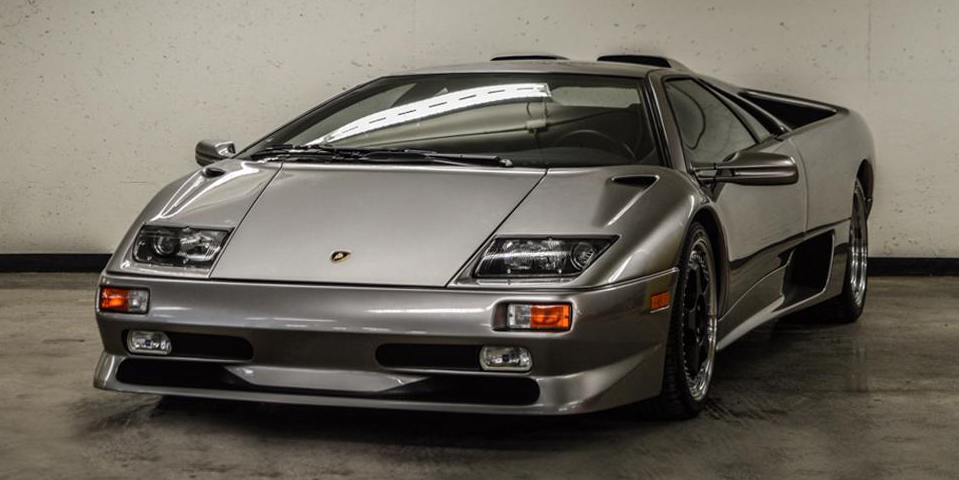 there 39 s a one mile lamborghini diablo for sale in montreal for 500 000. Black Bedroom Furniture Sets. Home Design Ideas