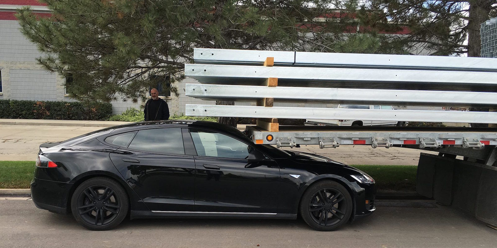 Tesla Owner Claims Model S Crashed Itself Into Trailer