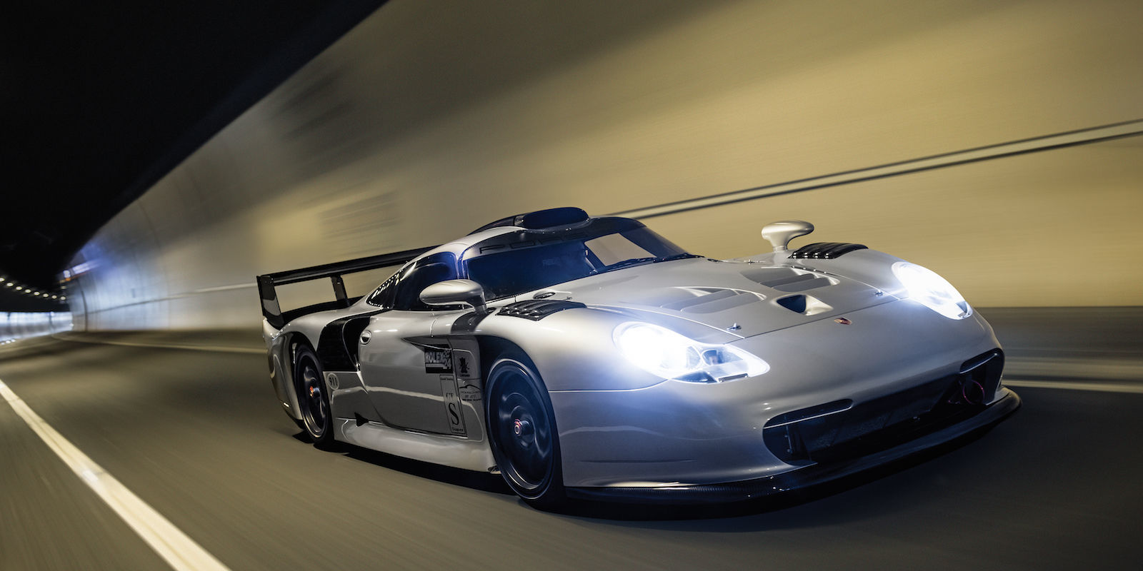 this 1997 porsche 911 gt1 evolution racer is somehow. Black Bedroom Furniture Sets. Home Design Ideas