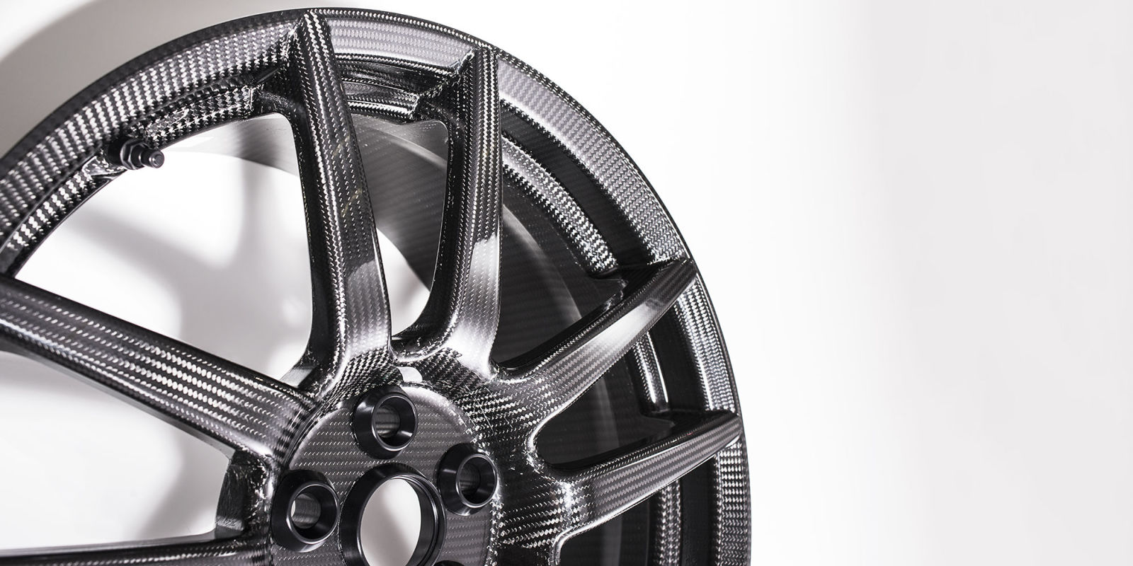 Gm Wants To Offer Carbon Fiber Wheels On Cadillacs