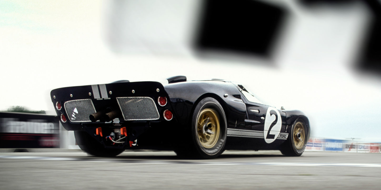 The life and times of the 1966 le mans winning ford gt40 mk ii for Garage automobile le mans