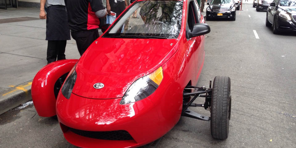 Our Elio Test Drive Went Great Until the Fender Fell Off