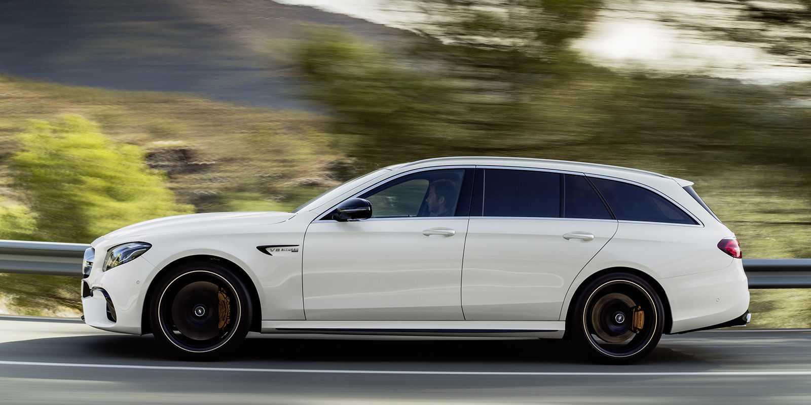 The 2018 mercedes amg e63 s wagon is the 603 hp family for Mercedes benz station wagon