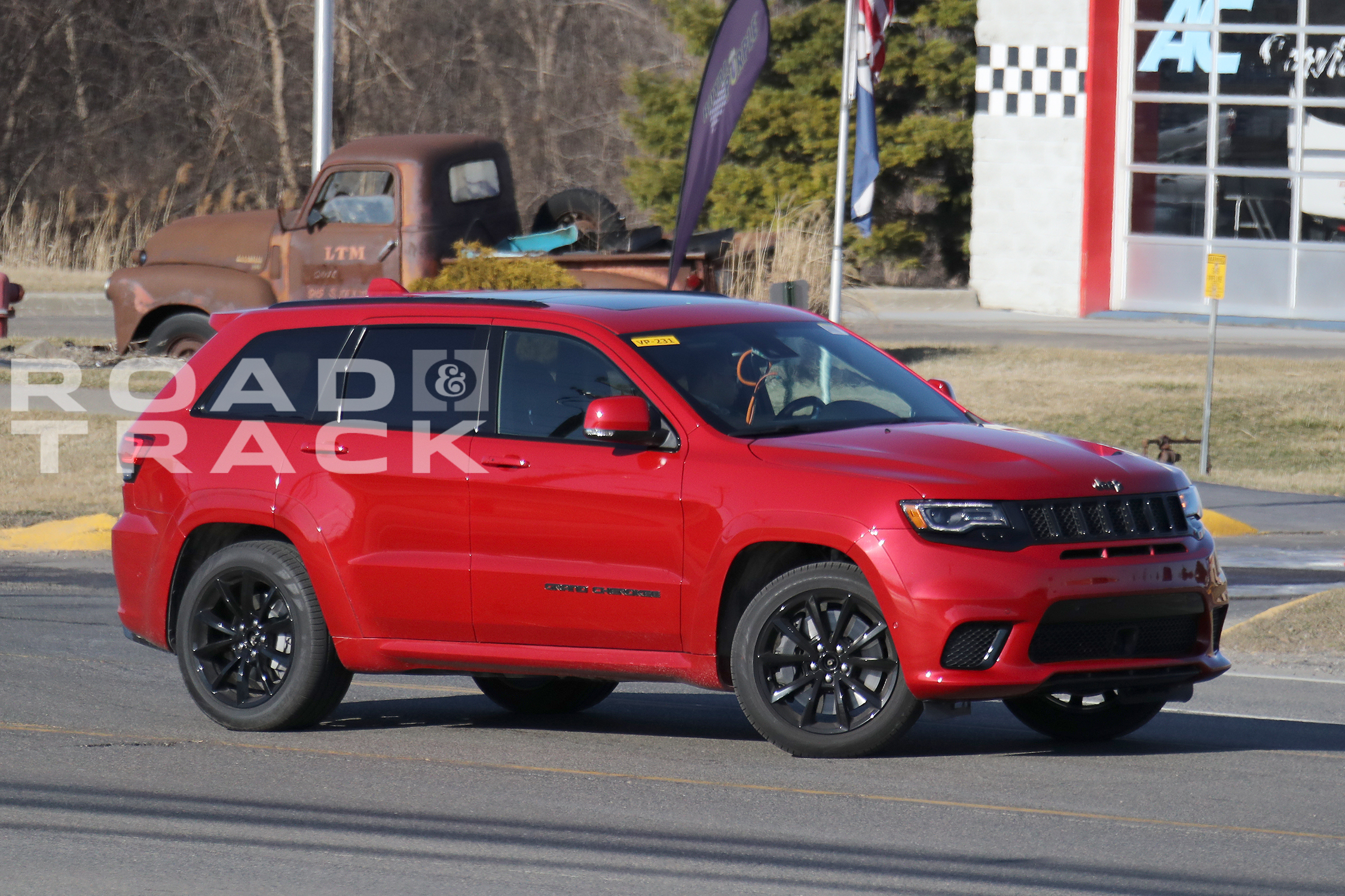 jeep grand cherokee srt trackhawk photos. Black Bedroom Furniture Sets. Home Design Ideas