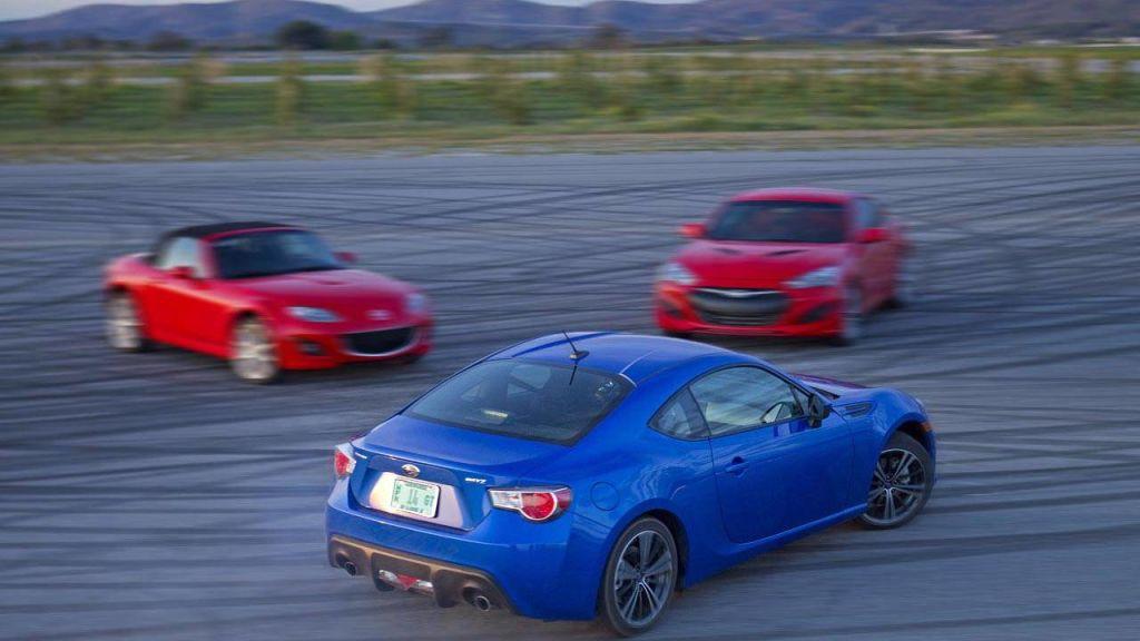 Photos: Subaru BRZ vs. Mazda MX-5 Miata vs. Hyundai ...