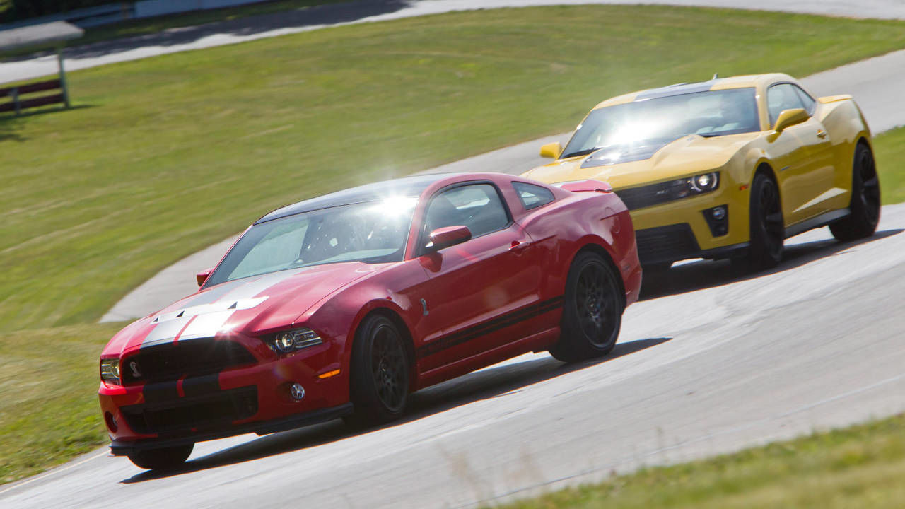 Photos 2013 Ford Mustang Shelby Gt500 Vs 2012 Chevrolet