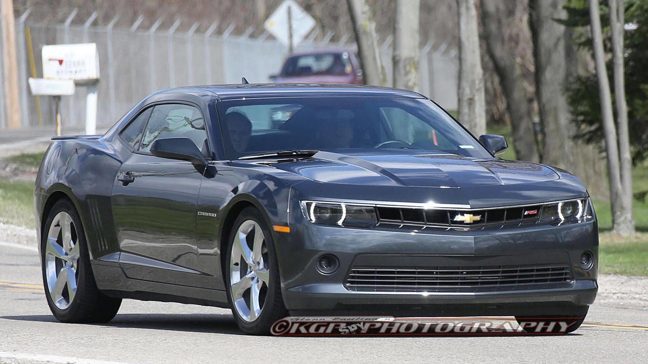 2014 chevrolet camaro rs first peek at the updated v6 camaro. Black Bedroom Furniture Sets. Home Design Ideas