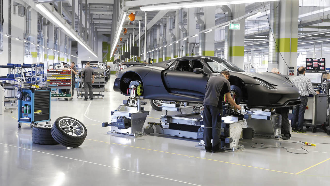 Porsche 918 Spyder Factory Photos