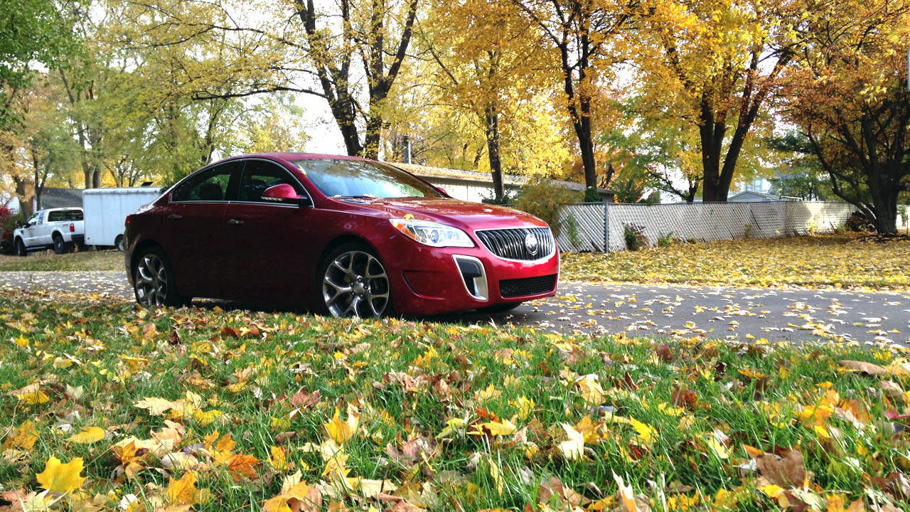 2013 buick regal gs awd off the line. Black Bedroom Furniture Sets. Home Design Ideas