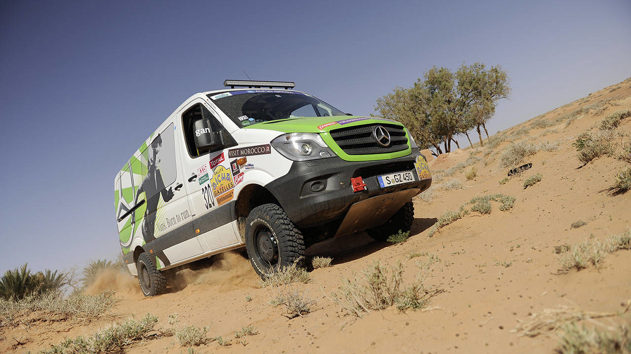 mercedes benz sprinter 4x4 moroccan rally van racing. Black Bedroom Furniture Sets. Home Design Ideas