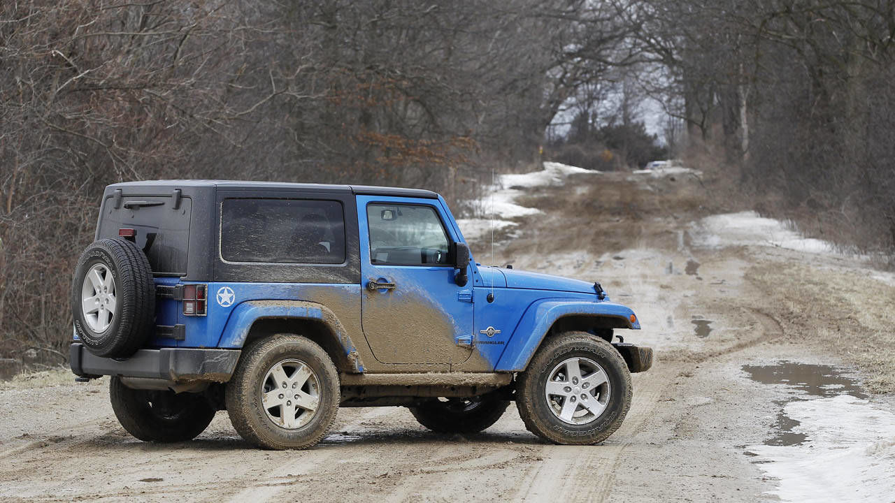 2014 jeep wrangler oscar mike edition photos. Black Bedroom Furniture Sets. Home Design Ideas