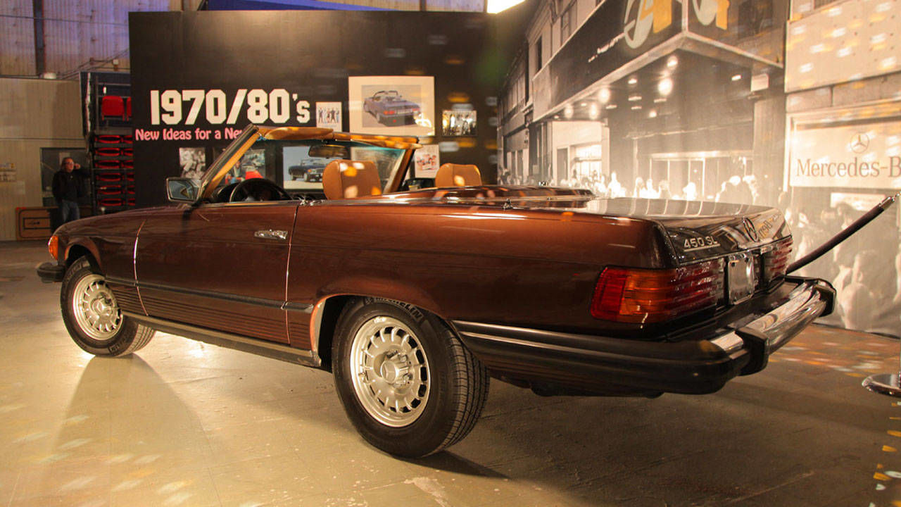 History of the mercedes benz sl in movies for Mercedes benz company history