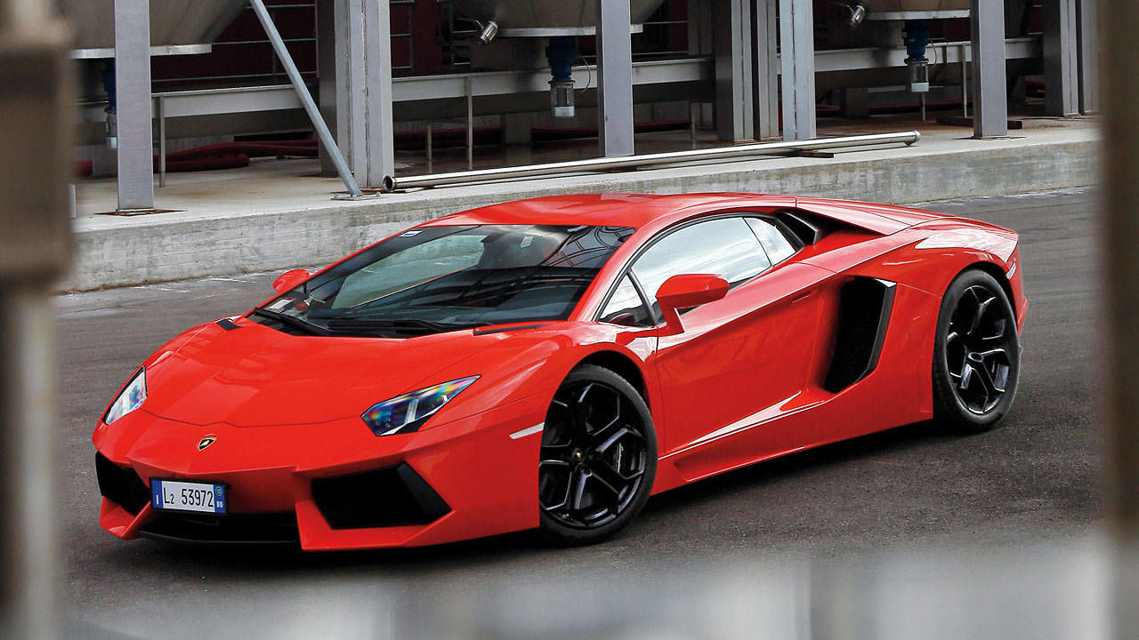 2012 lamborghini aventador lp700 4 road test lambo aventador test. Black Bedroom Furniture Sets. Home Design Ideas