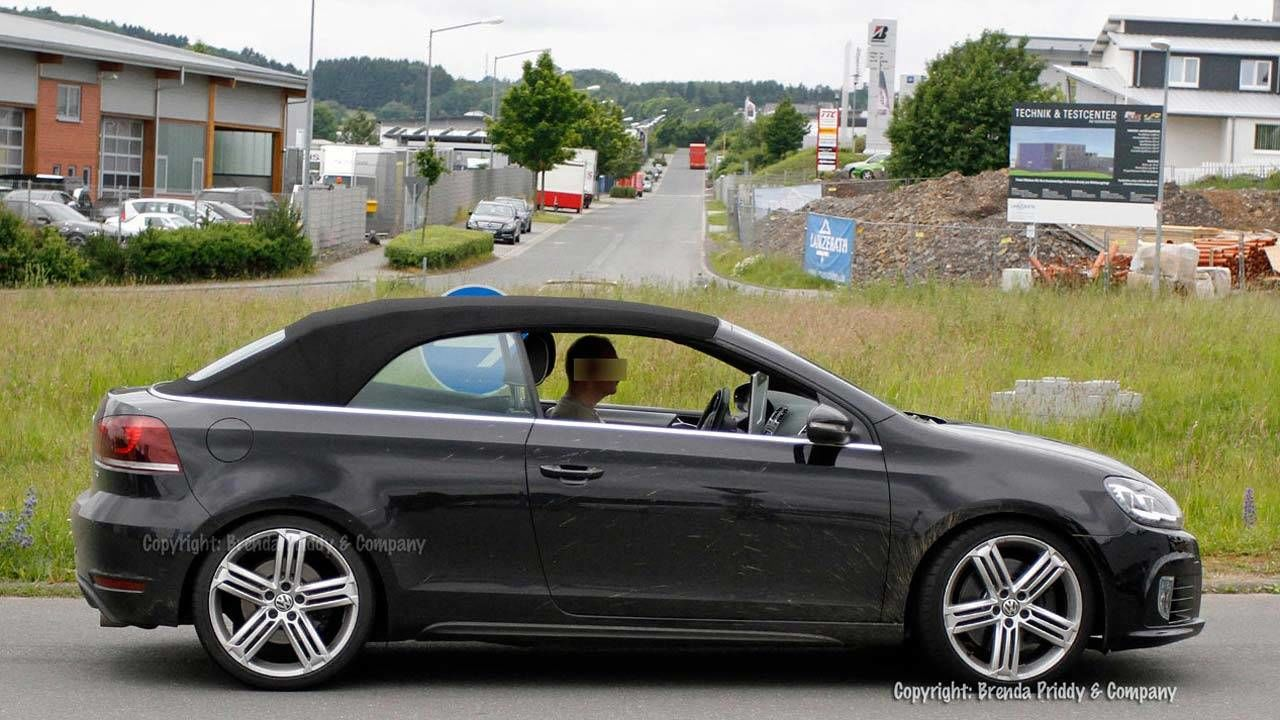 2013 volkswagen golf r cabriolet first spy photos and specs. Black Bedroom Furniture Sets. Home Design Ideas
