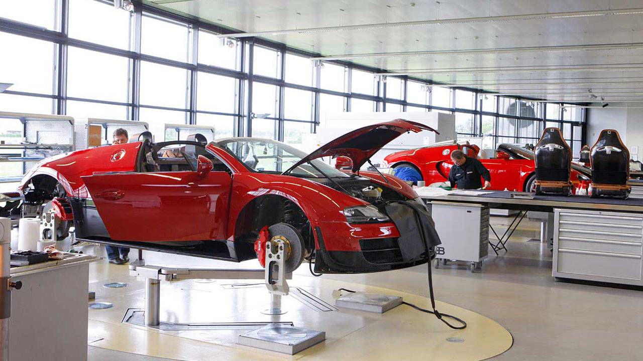 Inside the Bugatti Workshop – How Bugatti Supercars Are ...