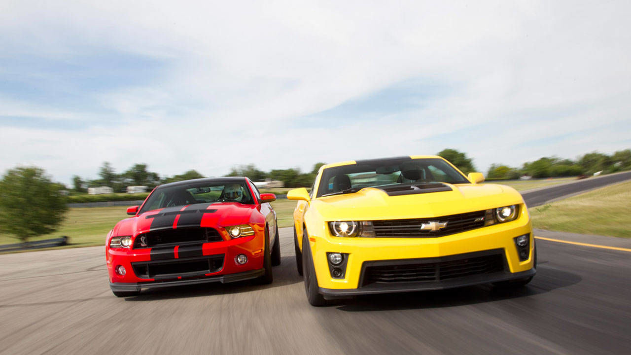 2013 ford mustang shelby gt500 vs 2012 chevrolet camaro. Black Bedroom Furniture Sets. Home Design Ideas