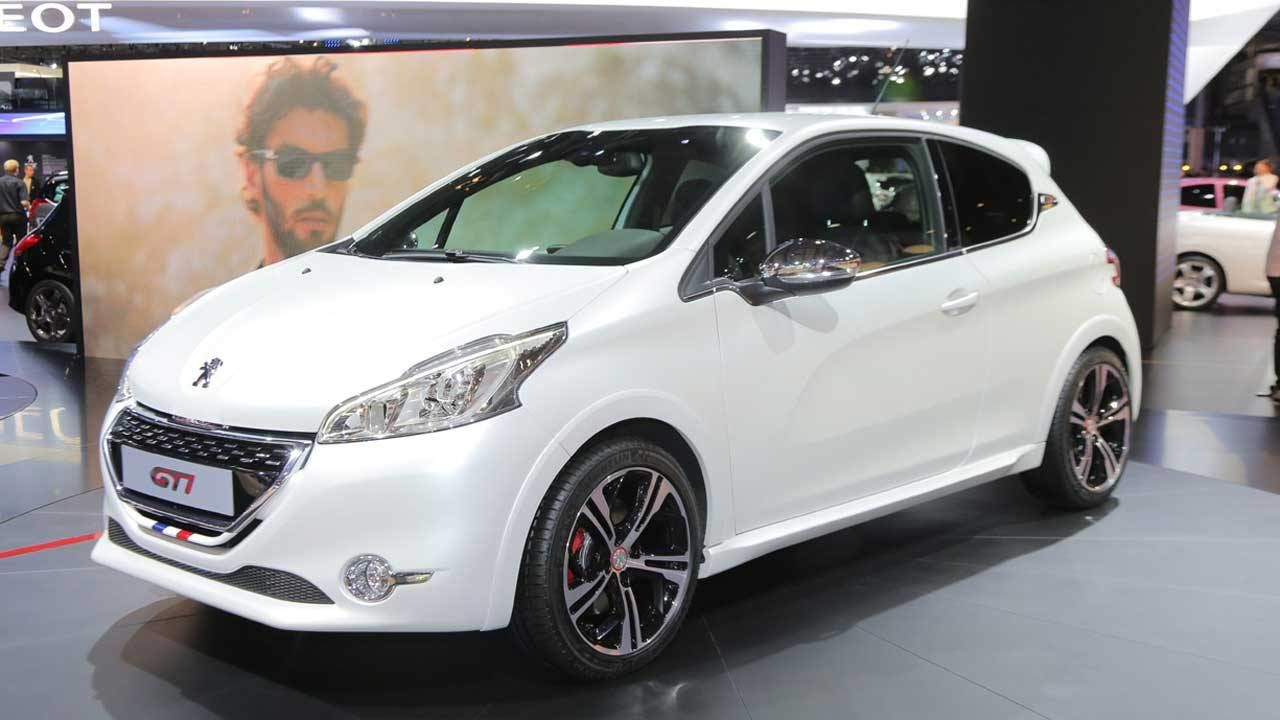2013 peugeot 208 gti peugeot 208 gti photos and specs 2012 paris auto show. Black Bedroom Furniture Sets. Home Design Ideas
