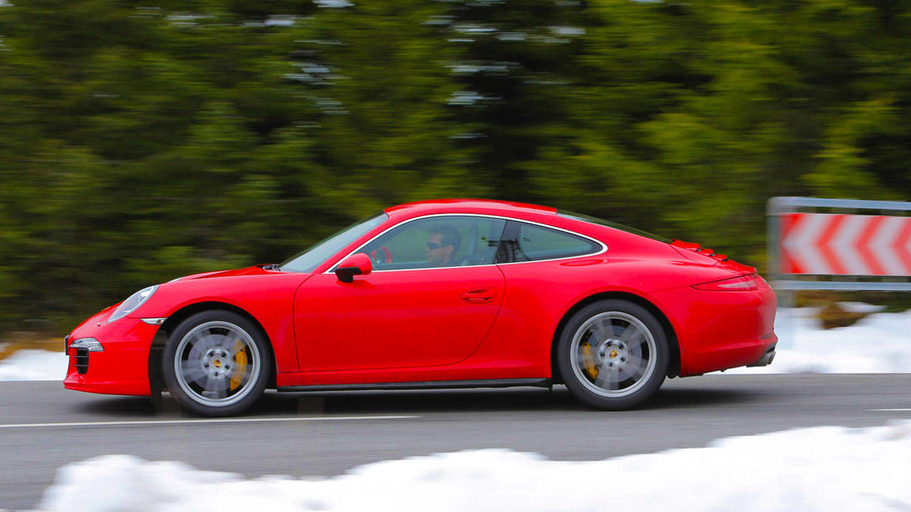 2013 porsche 911 carrera 4s and carrera 4 first drive review carrera 4s price mpg specs. Black Bedroom Furniture Sets. Home Design Ideas