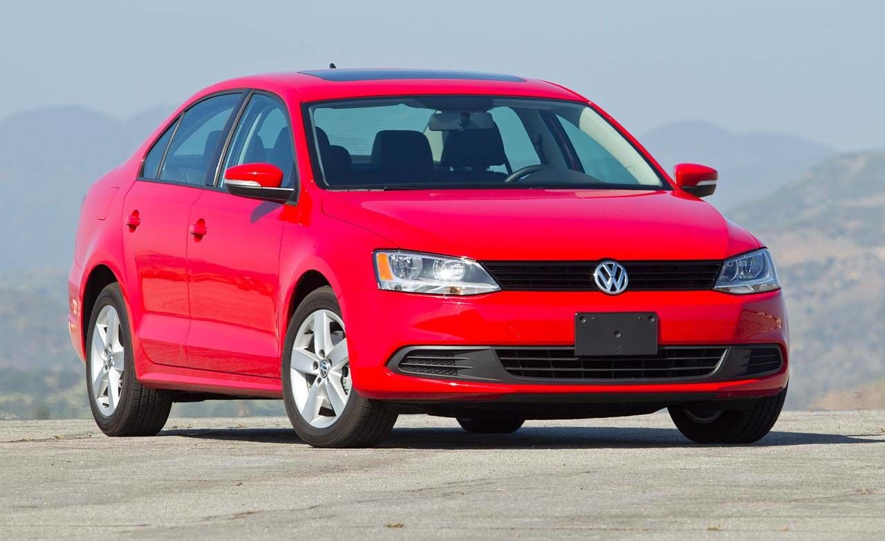 Photos: 2012 Volkswagen Jetta TDI