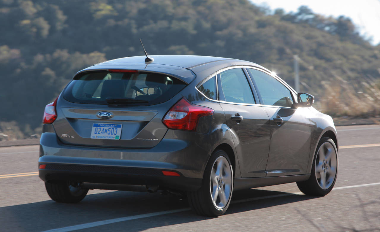 photos 2012 ford focus 5 door hatchback titanium. Black Bedroom Furniture Sets. Home Design Ideas