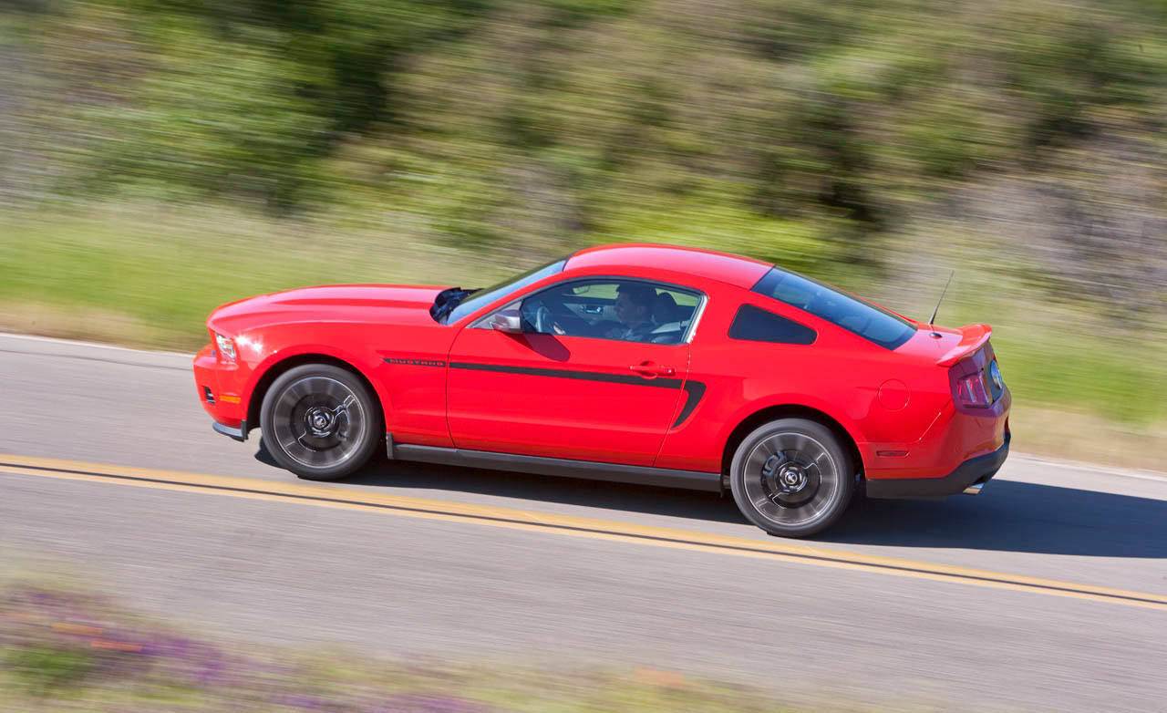 photos 2011 ford mustang v 6 coupe premium. Black Bedroom Furniture Sets. Home Design Ideas