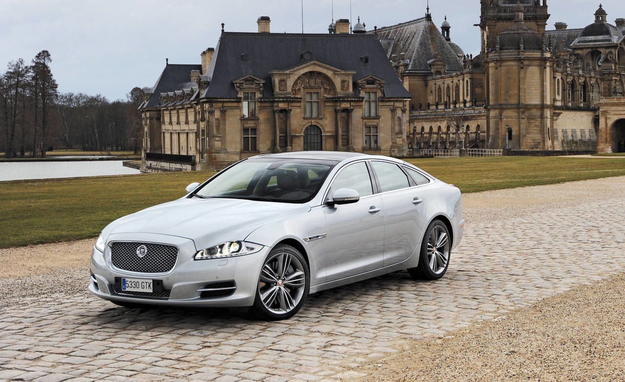 view the latest first drive review of the 2011 jaguar xj find pictures and comprehensive. Black Bedroom Furniture Sets. Home Design Ideas