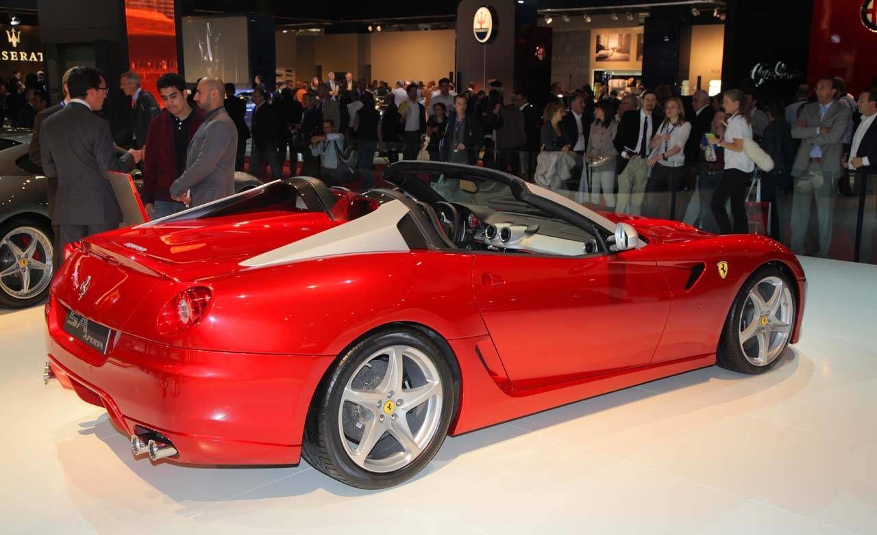 2011 ferrari sa aperta watch the latest 2010 paris auto show videos. Black Bedroom Furniture Sets. Home Design Ideas