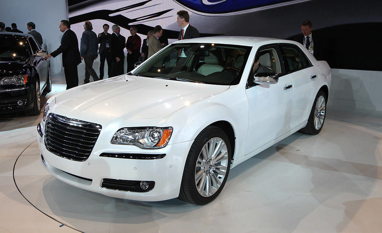chrysler 300 2011 chrysler 300 review with photos. Black Bedroom Furniture Sets. Home Design Ideas