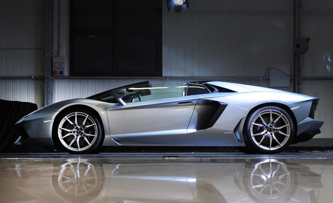 2013 lamborghini aventador lp 700 4 roadster photos price 381 000 top spee. Black Bedroom Furniture Sets. Home Design Ideas