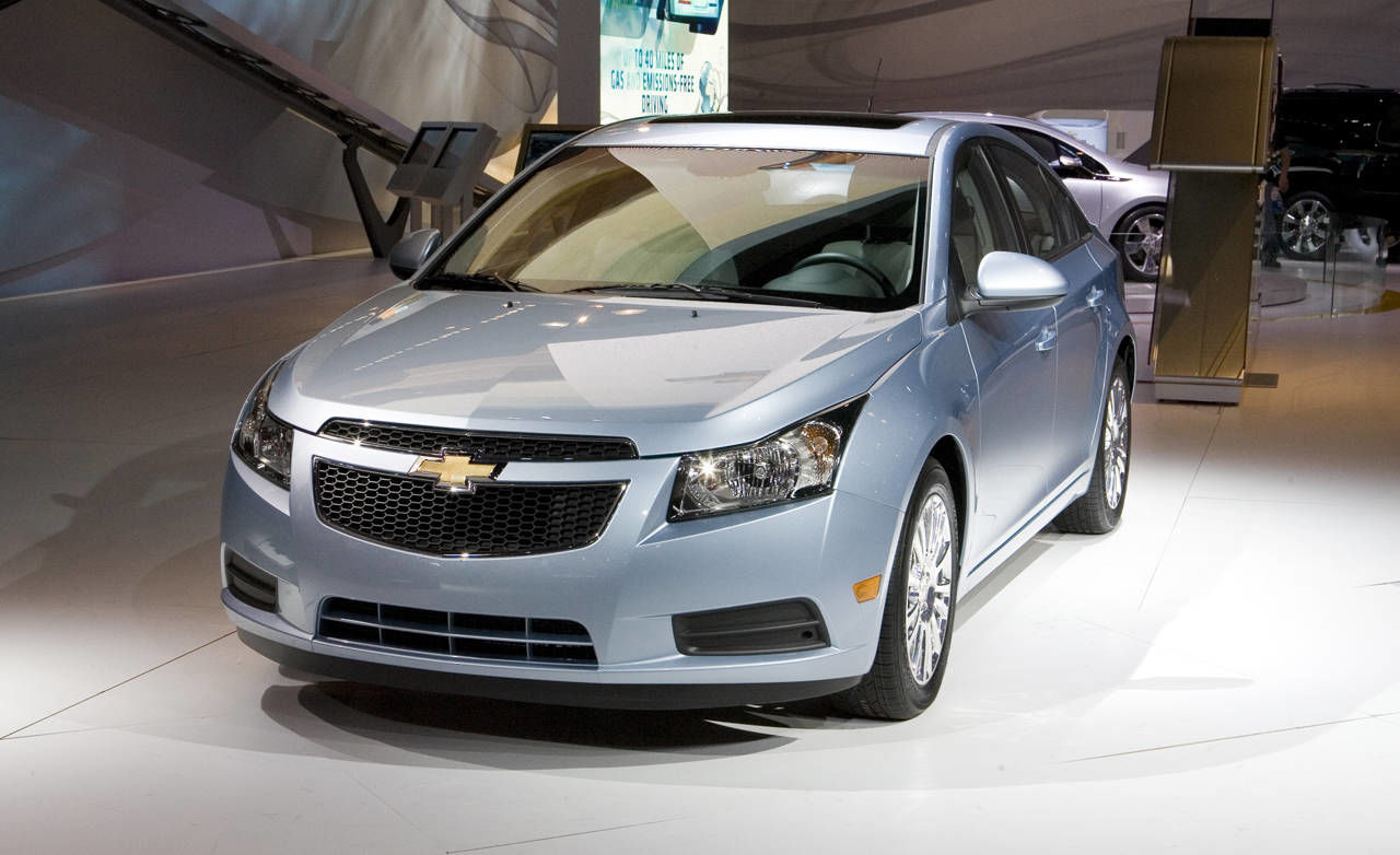 photos 2011 chevrolet cruze eco. Black Bedroom Furniture Sets. Home Design Ideas