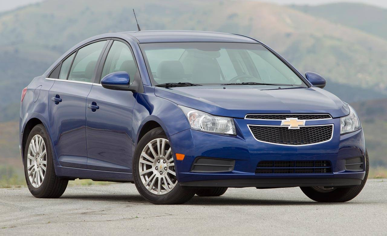 used 2012 chevrolet cruze sedan pricing features edmunds. Black Bedroom Furniture Sets. Home Design Ideas