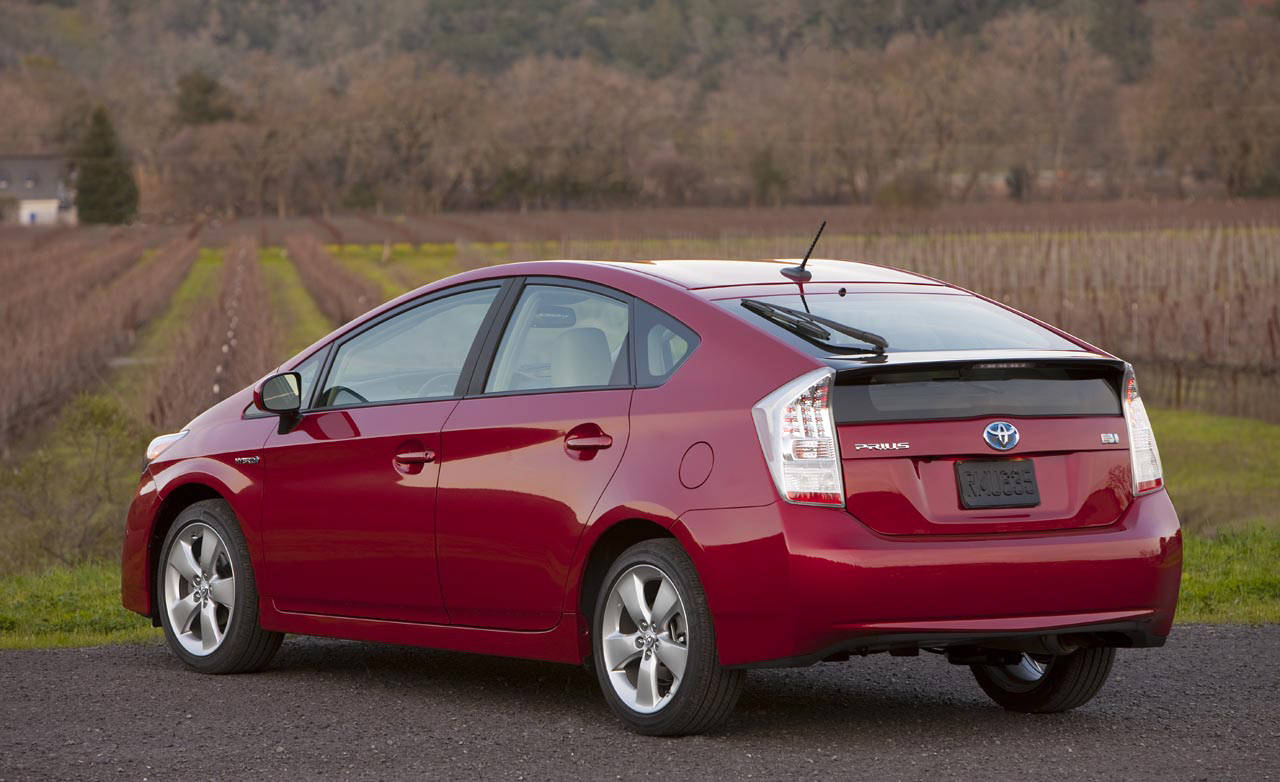 photos toyota prius through the years. Black Bedroom Furniture Sets. Home Design Ideas