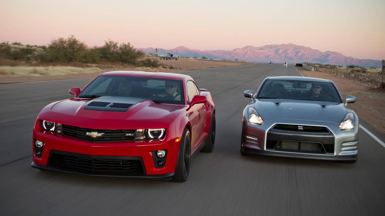 Dodge Challenger Hellcat Vs Gtr Autos Post